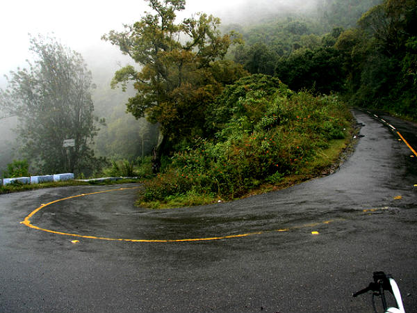 Drive Through 36 Hairpin Bends!