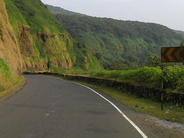 How to Reach Amboli