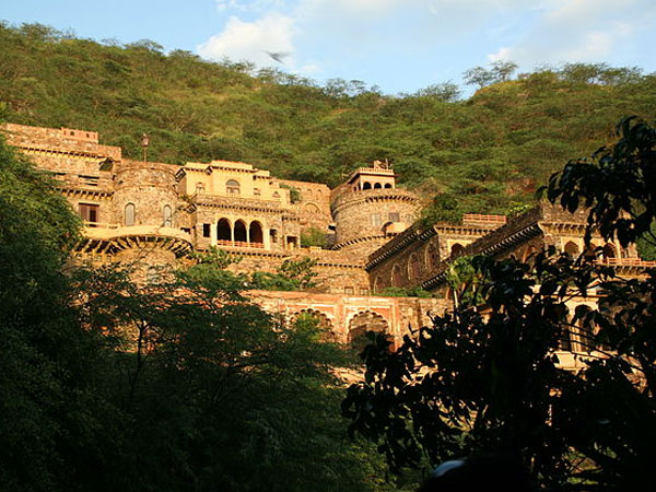 Neemrana Hill Fort