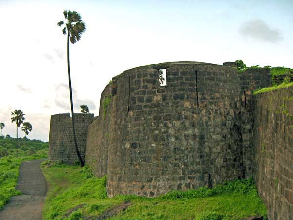 Madh or Versova Fort