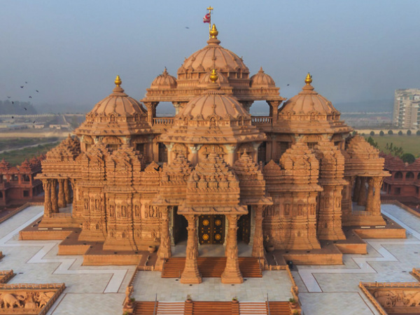 Travel to the 10 Famous Temples of Delhi - Nativeplanet