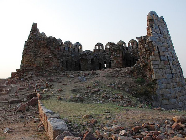 Travel to the 5 Underrated Heritage Monuments in India