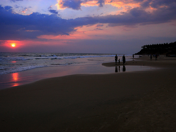 Image result for Varkala Beach in Kerala at sunset