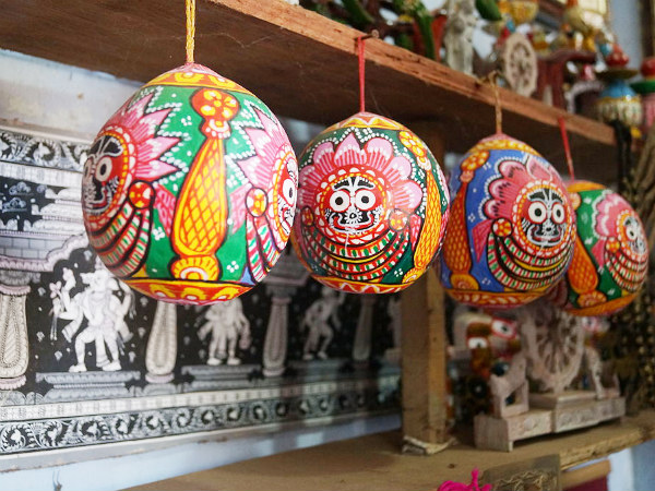 Paintings on Betel nuts