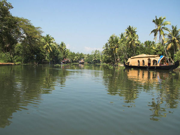 Choose The Best Honeymoon Places In Kerala Feel The Romance Nativeplanet