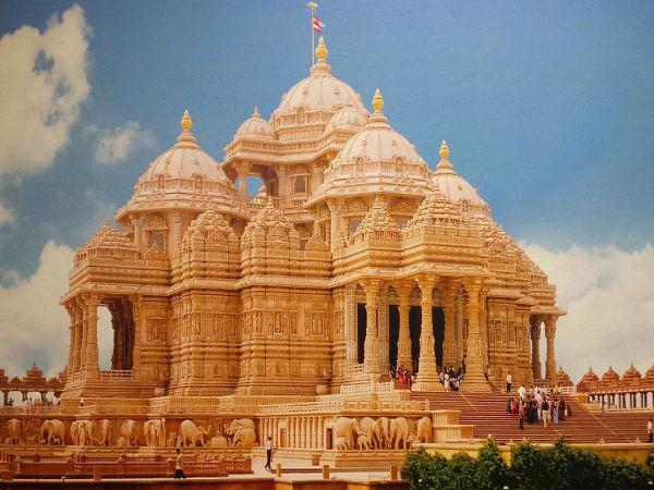 Akshardham Temple: A Spiritual Abode in Delhi
