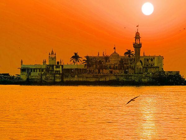 The Spiritual Abode Of Haji Ali Dargah In Mumbai