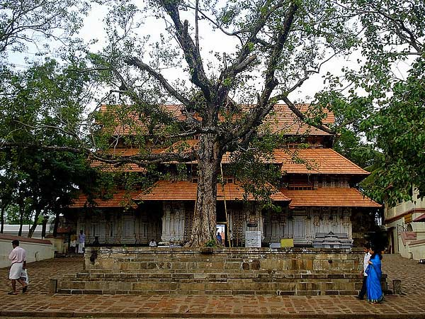 10 Popular Temples in Kerala
