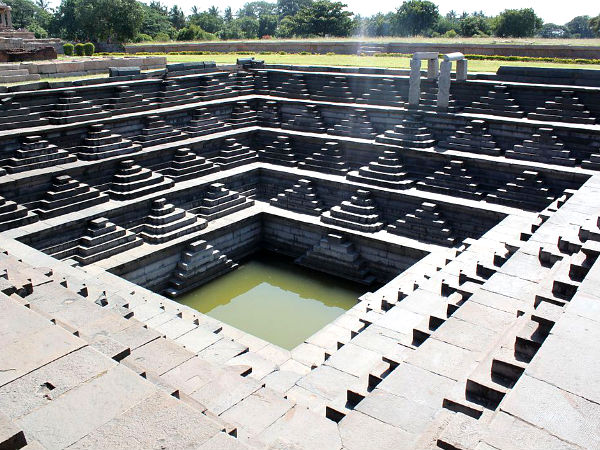 10 Popular Stepwells in India