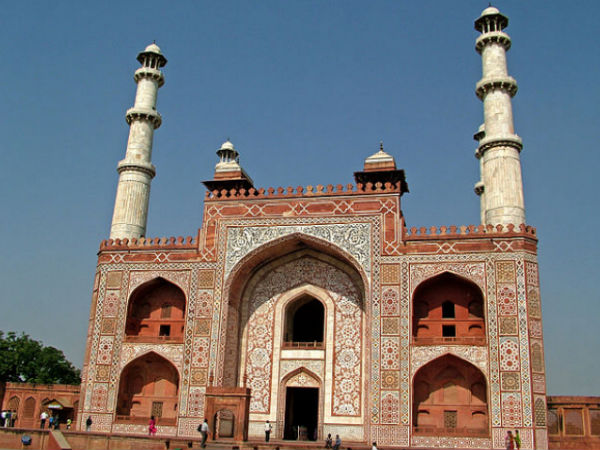 6 Not to be Missed Places in Agra Other Than Taj Mahal