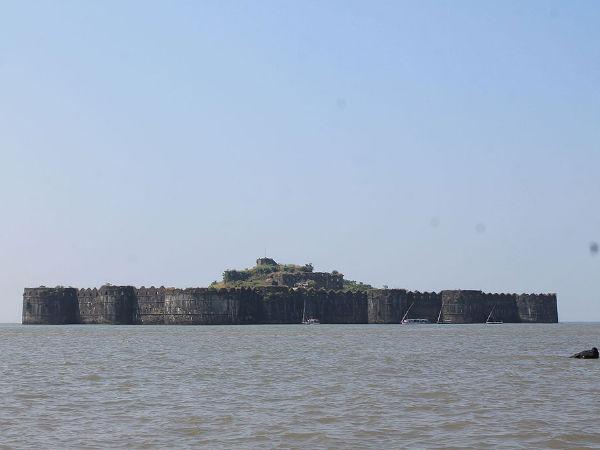 Top 4 Marine Forts in Maharashtra