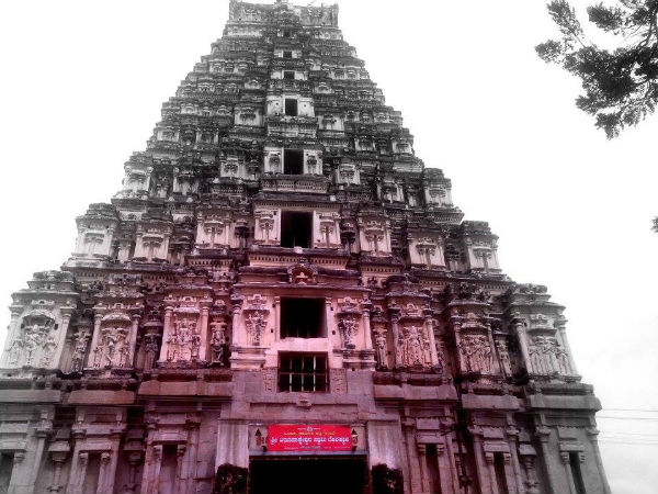Virupaksha temple - Hampi Attraction