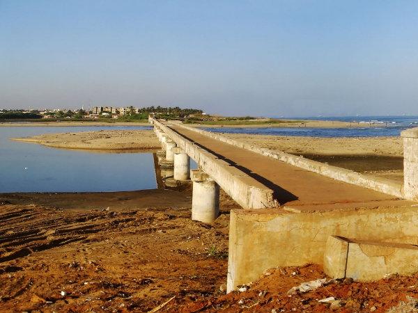 A Trip to Adayar Broken Bridge in Chennai