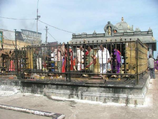 Temples Where Hanuman is Tied!