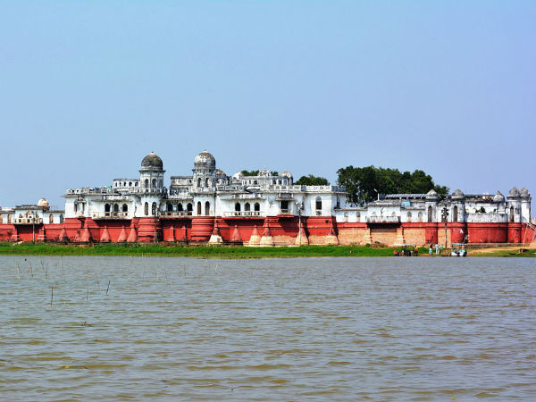 5 Mind-Blowing Water Palaces in India!