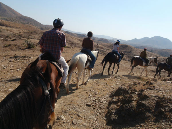 5 Places to go Horse riding in Rajasthan