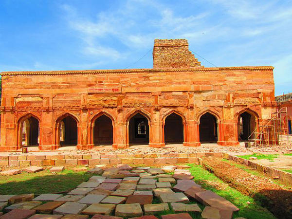 Top Forts In and Around Varanasi