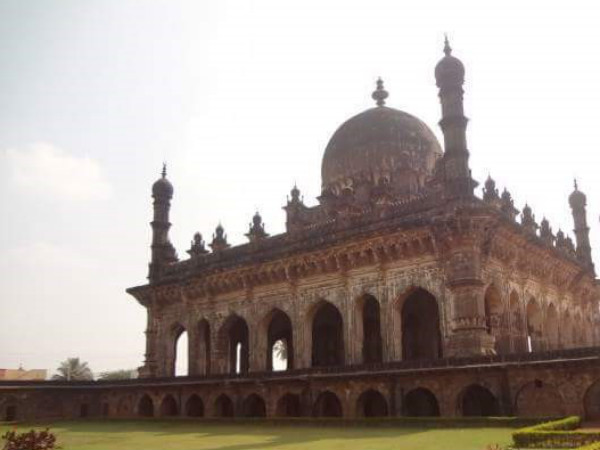 4 Most Beautiful Mosques in Karnataka