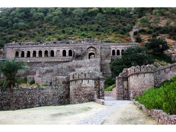 Haunted Fort of Bhangarh in Rajasthan