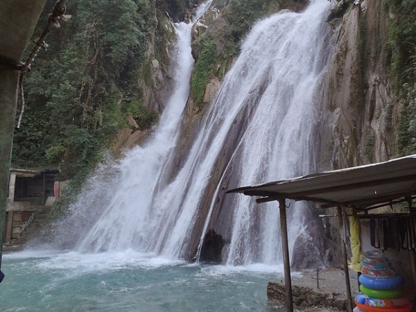 An Amazing Photo-Tour of Kempty Falls in Mussoorie!