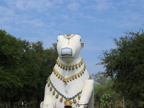 6 Famous Nandi Statues in South India
