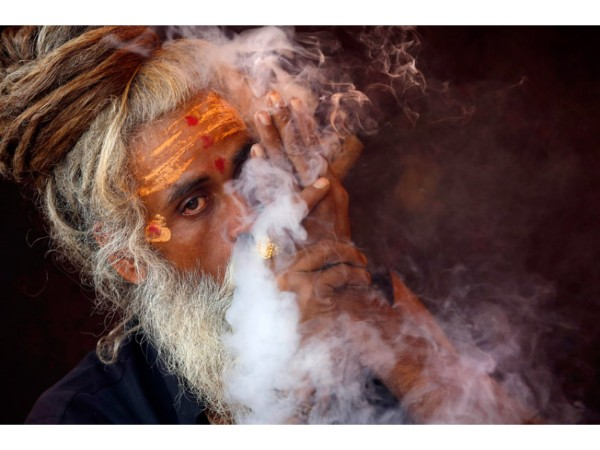 A travel through the controversial Aghori lives - Nudity, Bizarre