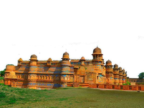 6 Mesmerising Palaces in Madhya Pradesh That'll Make You Want a Royal Life!