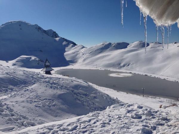 4 Mesmerising Frozen Lakes in Himachal Pradesh