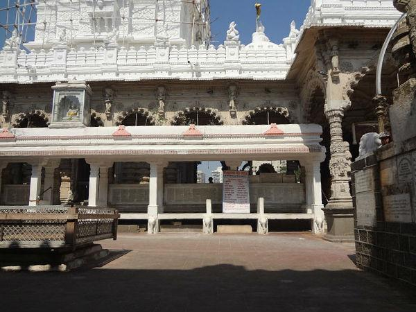 History of Babulnath Temple