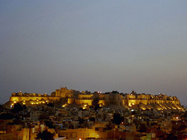Travel to the Jaisalmer Fort in Rajasthan!