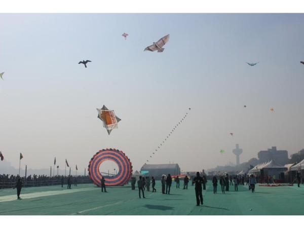 Start your New Year with radiant flying kites – International Kite Festival 2017 in Gujarat!