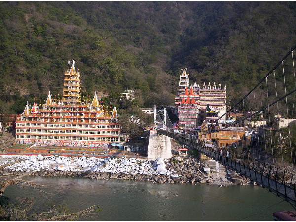 8 Temples on the Banks of Rivers in India