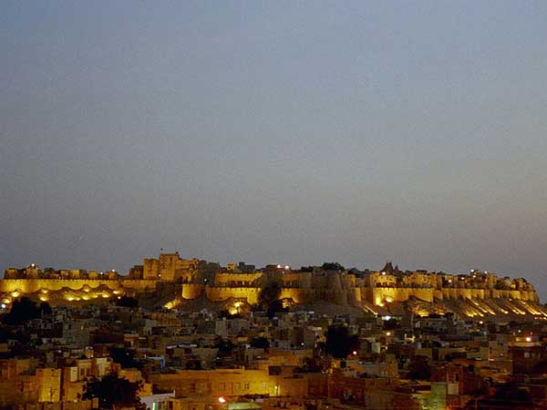 6. Jaisalmer Fort, Rajasthan – A Majestic Structure Struggling With Modernity