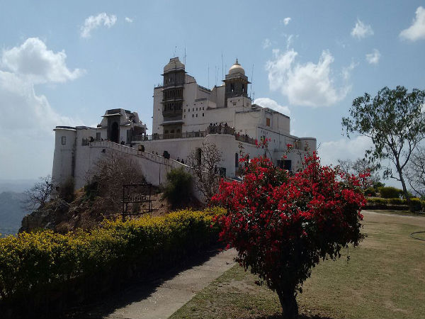 4. Monsoon Palace