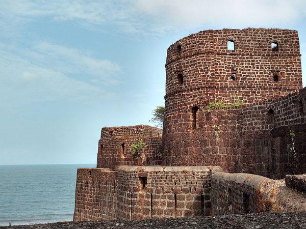 Marvels of 'Eastern Gibraltar': A Photo Tour of Vijaydurg Fort