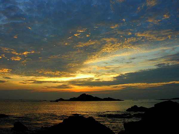 Experience An Offbeat Beach Trek In Gokarna