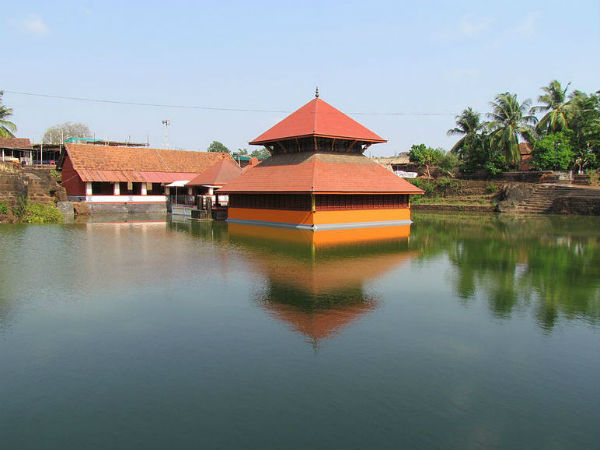 6. Ananthapura Lake Temple