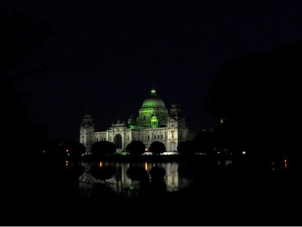 Catch The Beauty Of These Monumental Places In India At Night!