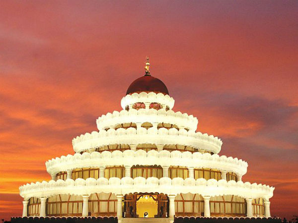 Midway Attractions - The Art of Living Ashram