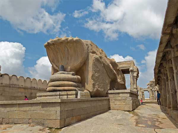 <strong>Read more about Lepakshi </strong>
