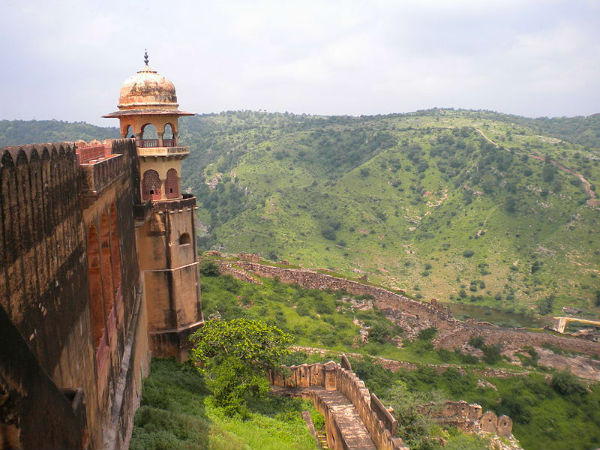 3. Jaigarh Fort – Castle Black