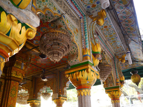More Details On The Nizamuddin Dargah
