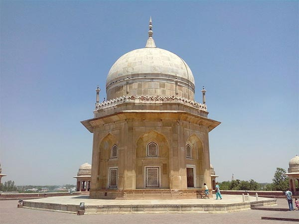 Sheikh Chilli's Tomb