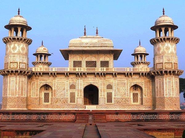 10 Incredible Tombs In India That You Must Visit Right Away!