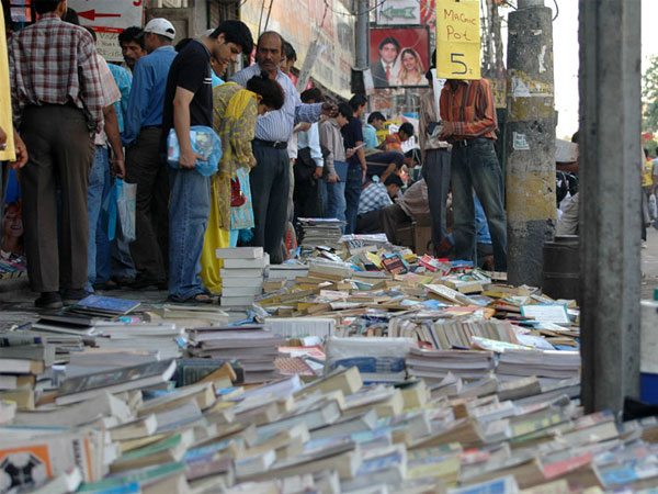 Daryaganj Market – For The Book Lovers
