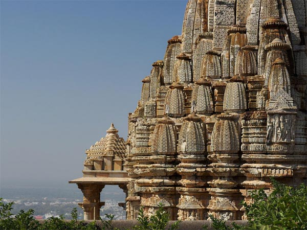 Also Read: 5 Historical Getaways From Ahmedabad