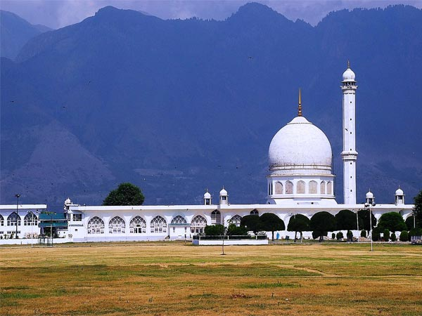 Hazratbal Shrine