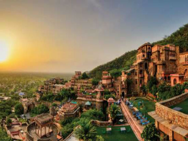 Short Stop At Neemrana