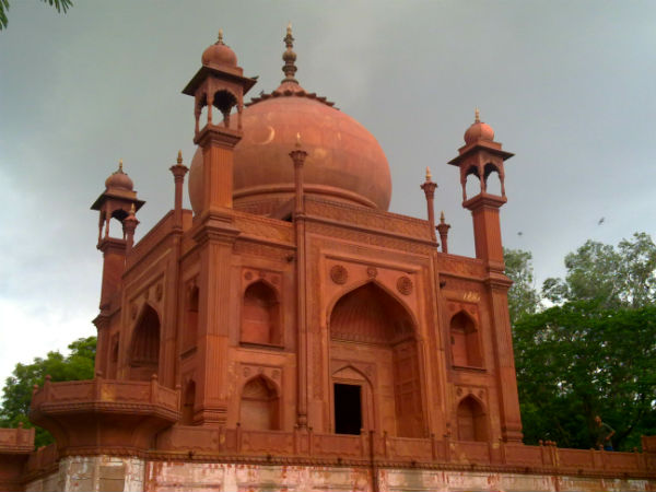 2. Red Taj, Agra