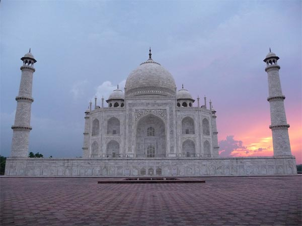 Other Places To Visit In Agra